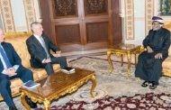 صحيفة إماراتية: أمريكا تتوسل السلطان قابوس لإنهاء حرب اليمن